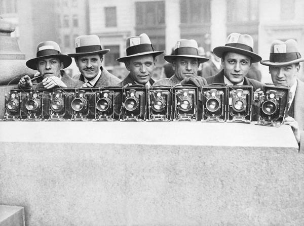 PHOTOGRAPHES VERS 1930