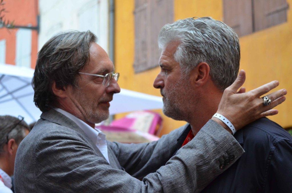 Gary Knight co-fondateur de VII en grande discussion avec Jean-François Leroy pour les dix ans de VII à Visa pour l'image © Geneviève Delalot