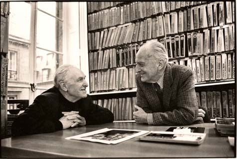 Le photographe Robert Doisneau et Raymond Grosset, directeur de l'agence de presse Rapho Photo Elise Hardy / Gamma-Rapho