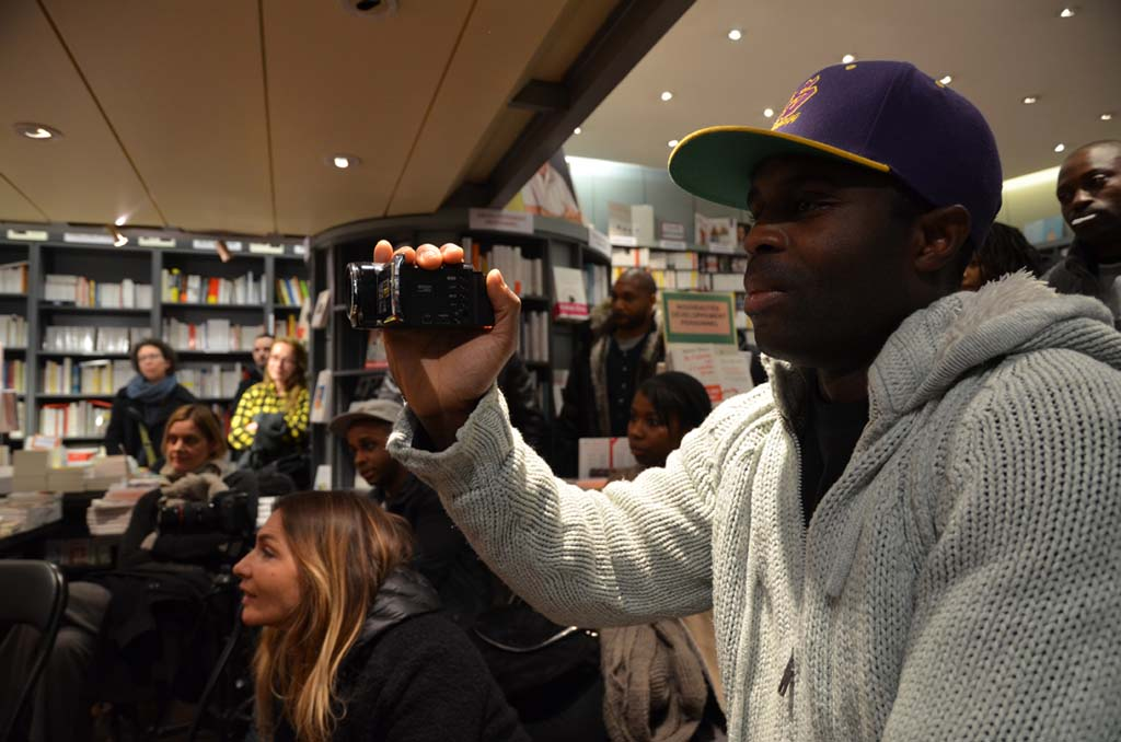 Tonton Marcel, l'intervieur des rappeurs et les fans (c) Geneviève Delalot