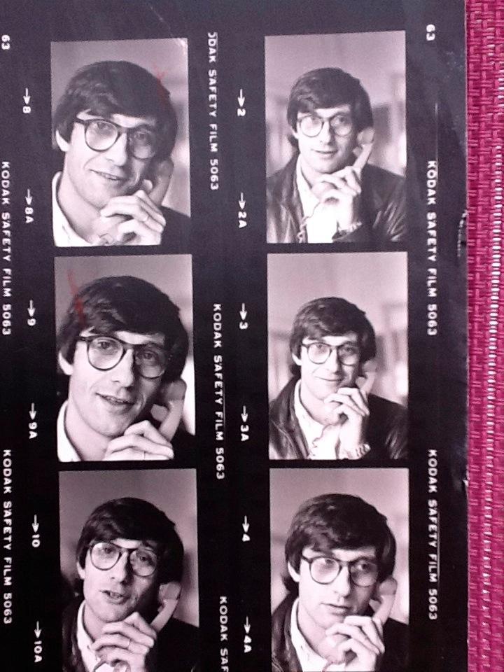 Benoit Gysembergh en1976 au bureau de Match sur lesChamps-Elysées (c) Pepita Dupont