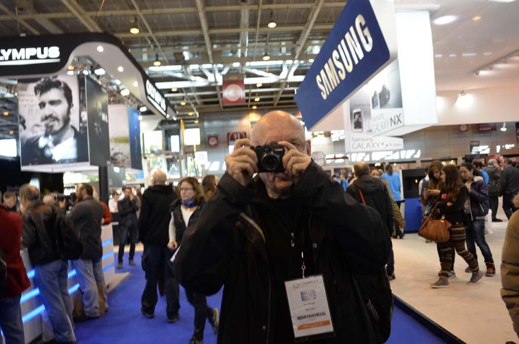 Alain Nogues, ancien photographe de Gamma et Sygma au Salon © Michel Puech