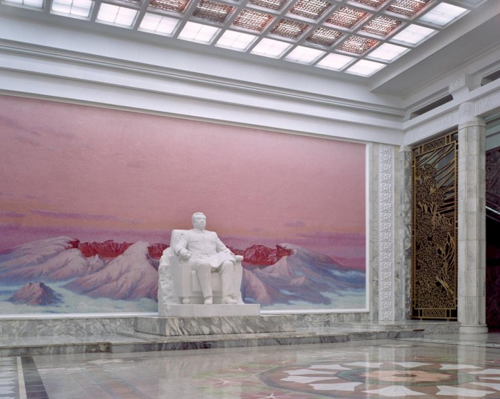 Grand People Study House entrance hall. This is Pyongyang's central library that was built to celebrate leader Kim Il-Sung's 70th birthday. It has a total floor space of 100 000m2 and 600 rooms. © Maxime Delvaux