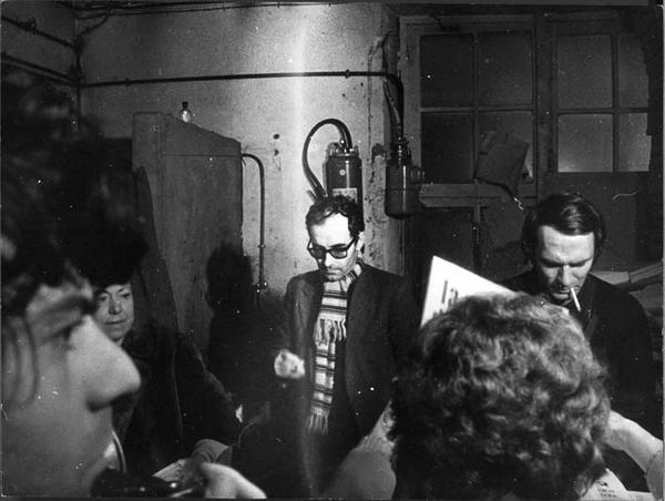 Jean-Luc Godard à l'imprimerie clandestine de La Cause du Peuple nov. 1970 (c) Gérard-Aimé / Gamma-Rapho