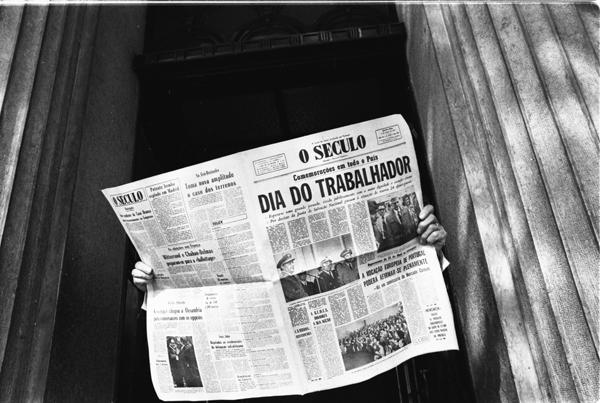 19740501_717-14A_Portugal_presse1