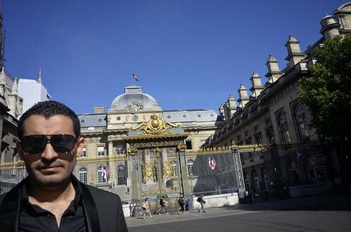 Le réalisateur Amine Boukhris au Palais de Justice (c) Michel Puech