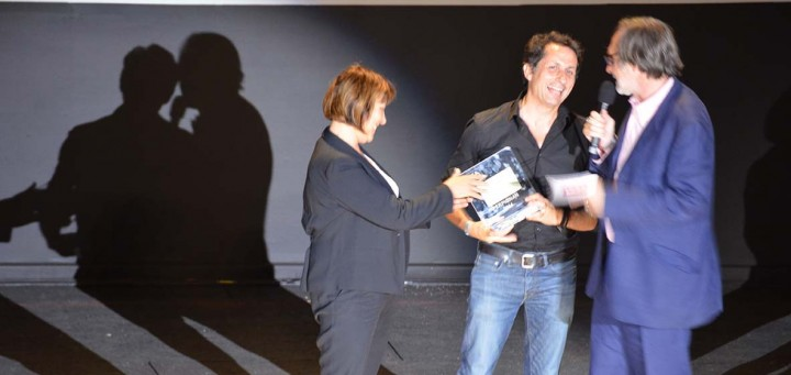 Guillaume Herbaut reçoit le Visa d'or Magazine (c) Geneviève Delalot