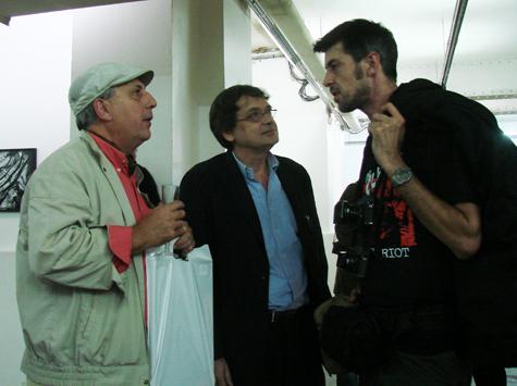 Paris, le 14 octobre 2008 A la galerie VU', de gauche à droite : Michel Puech, Xavier Soulé de Abvent et David Sauveur. Photographie Geneviève Delalot