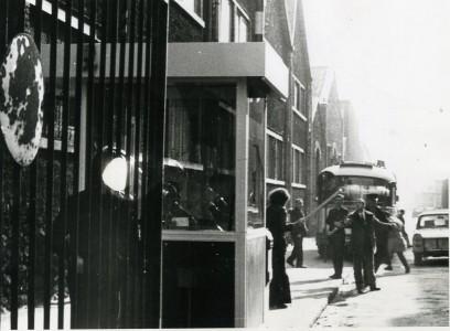 25 février 1972 Pierre Overney est assassiné par Jean-Antoine Tramoni à la porte Emile Zola de l'usine de la Régie Renault © Christophe Schimmel