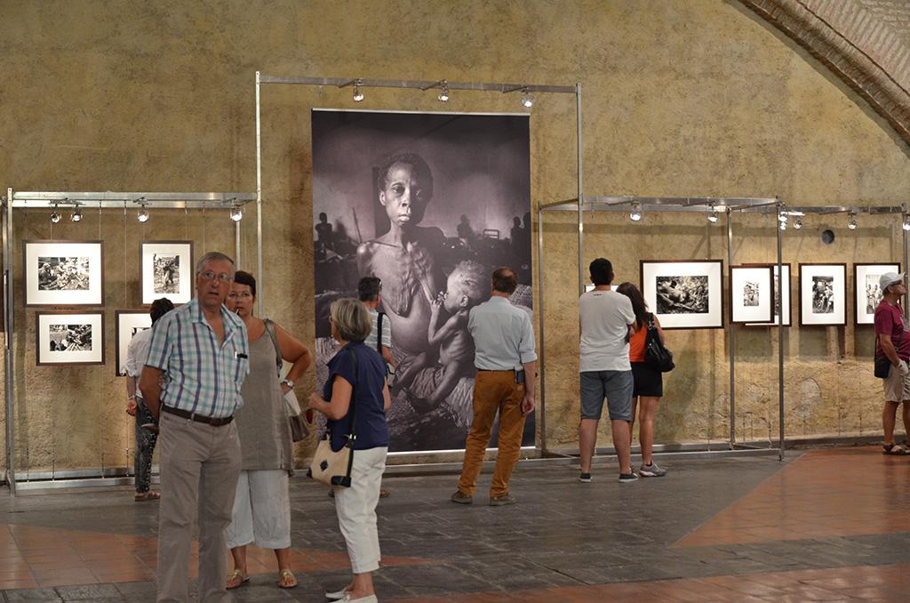 Exposition à l'église des Dominicains à Visa pour l'image - Perpignan