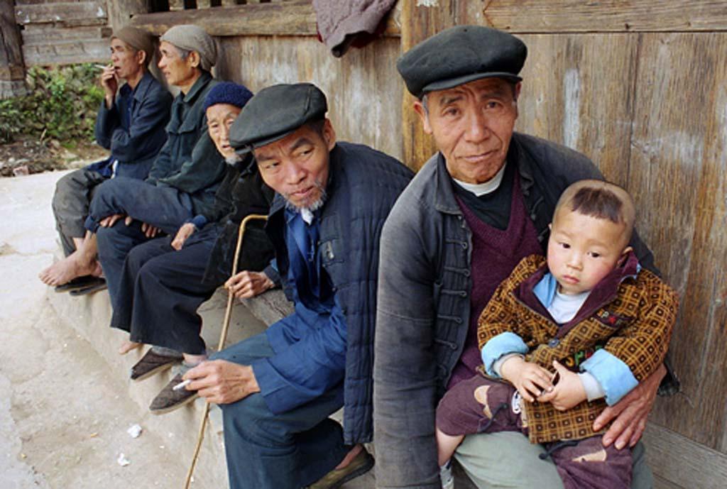 Chine Paysans Dong à l'enfant 2001 (c) Philippe Rochot
