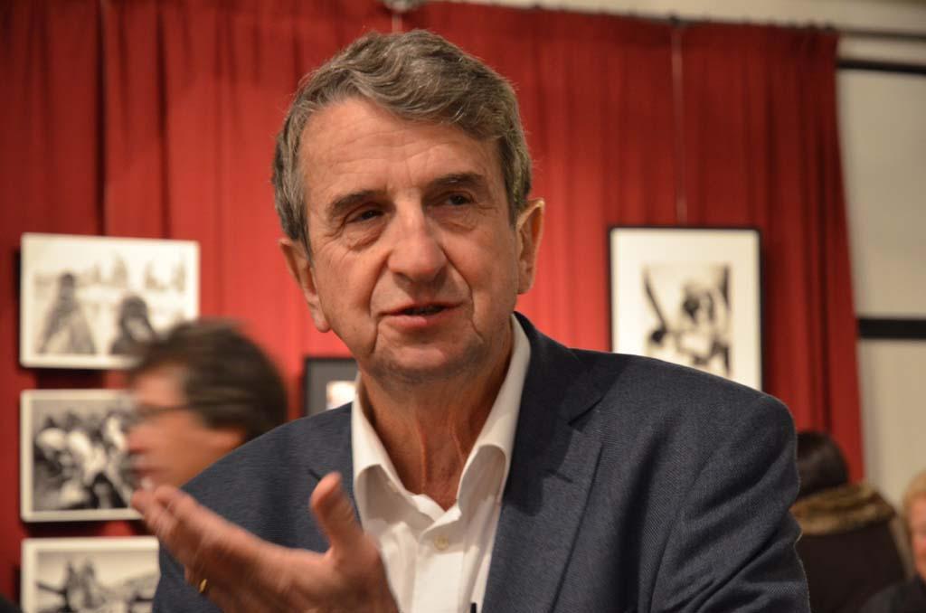 Philippe Rochot lors du vernissage de son exposition 18 nov 2013 (c) Geneviève Delalot