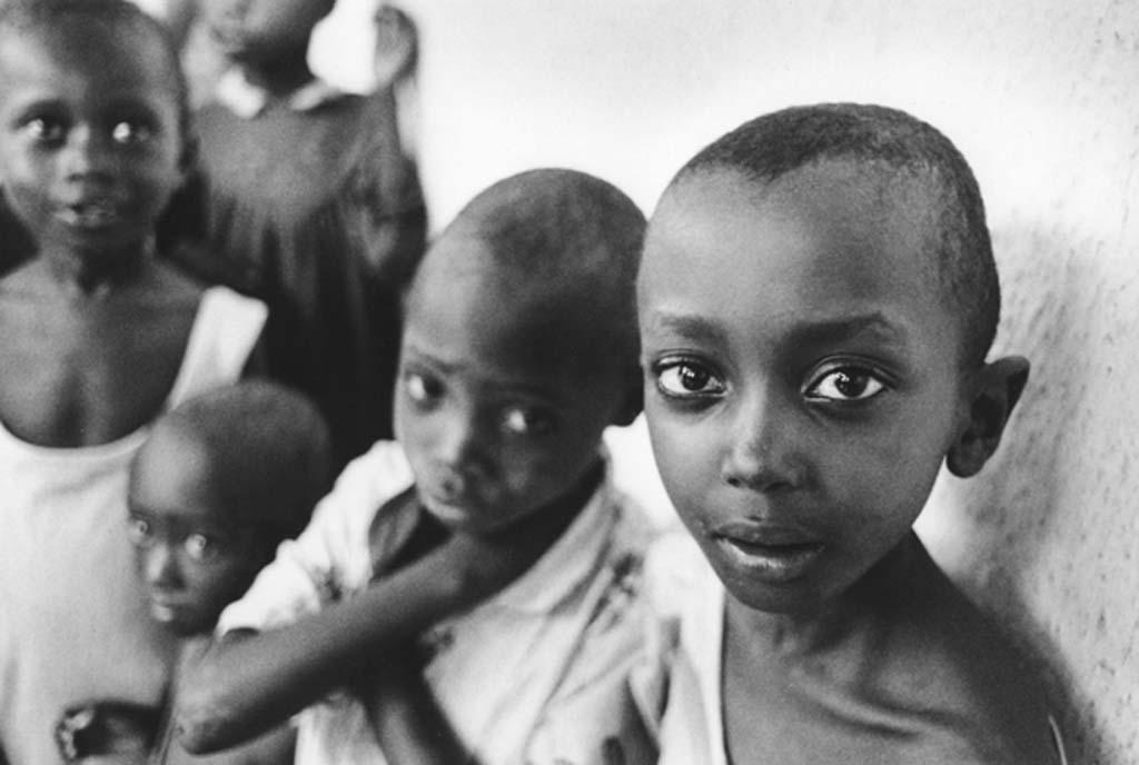Rwanda enfants perdus du génocide 1996 (c) Philippe Rochot