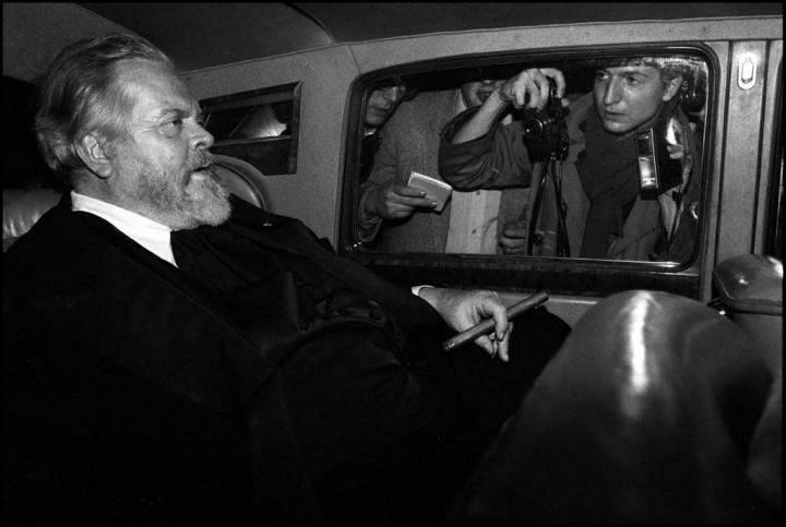 Orson Welles arrivant à l'Hotel Lancaster le 28 02 1982 (c) Pascal Rostain