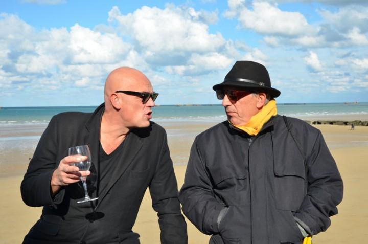 Arromanche octobre 2013 - Rémy Ourdan (à gauche) et Michel Puech