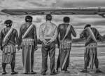 Camopi, février 2015, Monsieur le Sous-Préfet de l'Est Guyanais et les chefs coutumiers de Camopi attendent la visite de Madame la Ministre des Outre-mer. © Christophe Gin pour la Fondation Carmignac