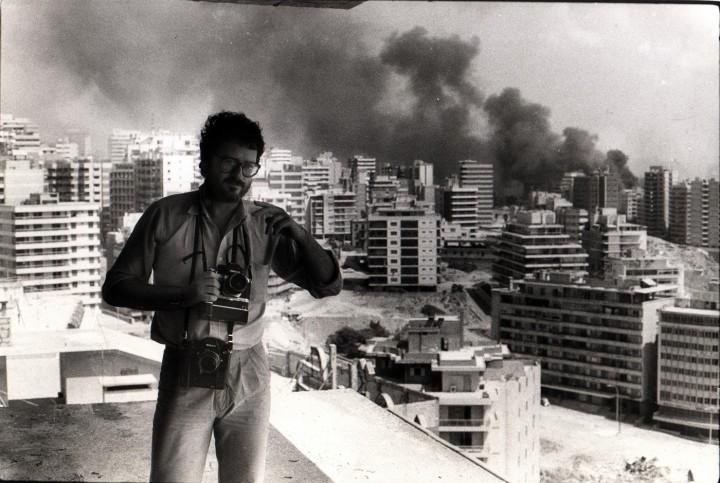 Yan Morvan in Beirut 1982 ©Collection Yan Morvan
