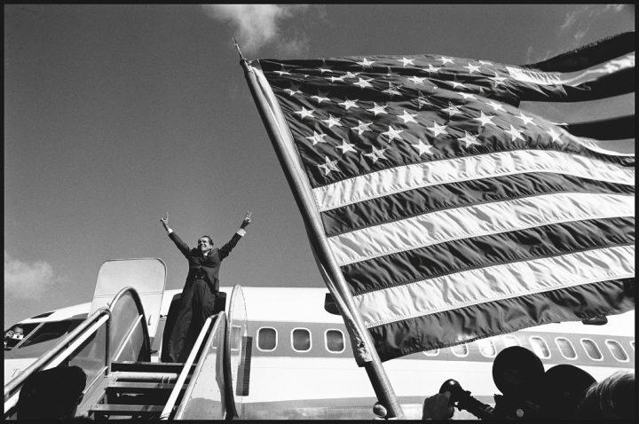 Campagne de Richard Nixon par Raymond Depardon publié dans le magazine Reporter